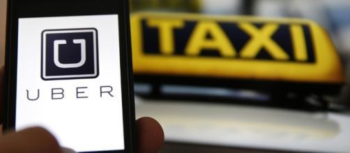 Uber versus táxi. A briga está no lugar errado.
