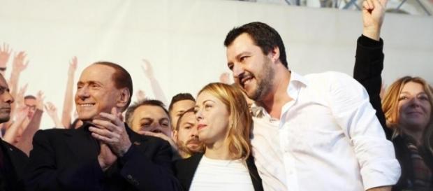 Berlusconi: 'Non riesco a trovare un nuovo leader per il centrodestra' | lastampa.it
