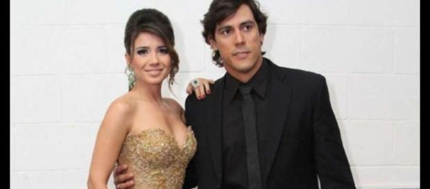 Paula Fernandes anunciou separação em rede social