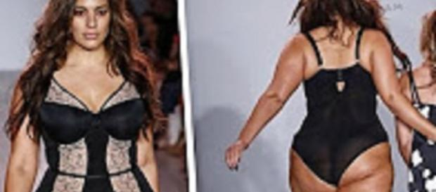 Source: Youtube TMZ: Ashley Graham Walks Runway in SEXY LINGERIE | TMZ TV