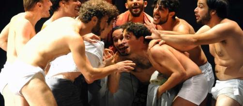 'Ragazzi di vita': il romanzo di Pasolini in scena al Teatro Argentina di Roma.