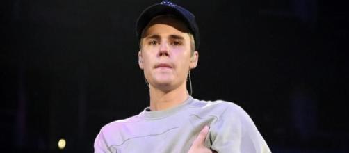 Justin Bieber não conseguiu controlar as emoções