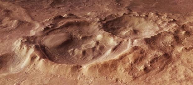 A região de Hellas Planitia pode reunir condições favoráveis para a existência de vida em Marte
