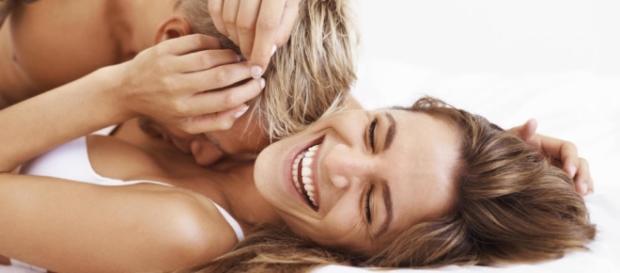 De acordo com especialistas, engolir fluído masculino tem suas peculiaridades.