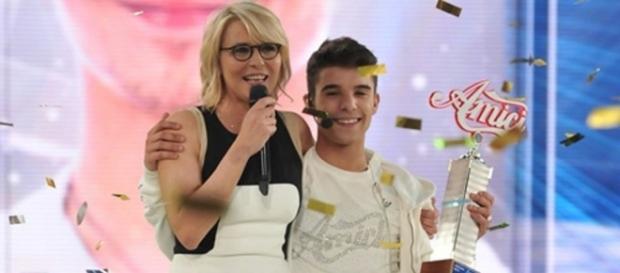 Il rapper Moreno con Maria De Filippi