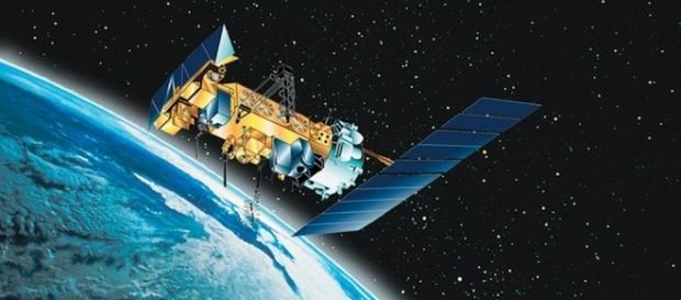 Satellite, Photo:NOAA Photo Library, flickr.com, CC0 2.0