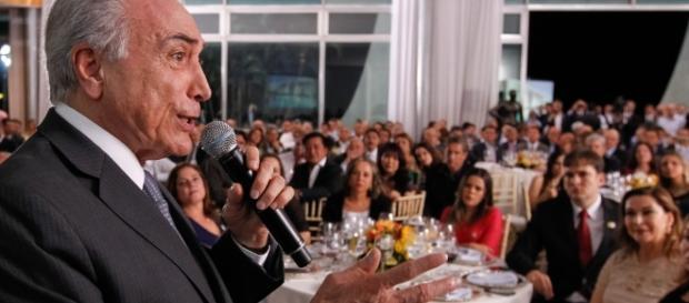 Temer discursou para senadores em jantar oferecido pelo Planalto