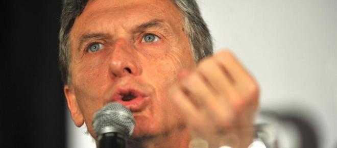 Macri con más ajuste devaluaría el dólar a un precio de 26 pesos