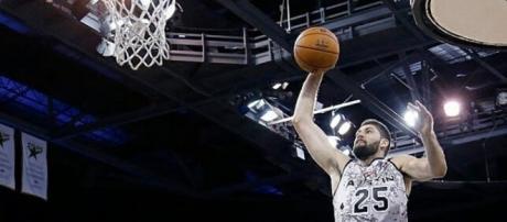 Garino quiere impresionar a Popovich para tener una chance en los Spurs