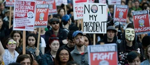 Hundreds take to Seattle streets to protest Trump's election | KOMO - komonews.com