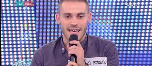 Lo Strego, il cantante rivelazione di 'Amici 16'.