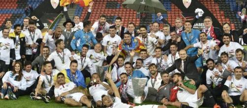 Sevilla Fc tras ganar la Europa League en Basilea