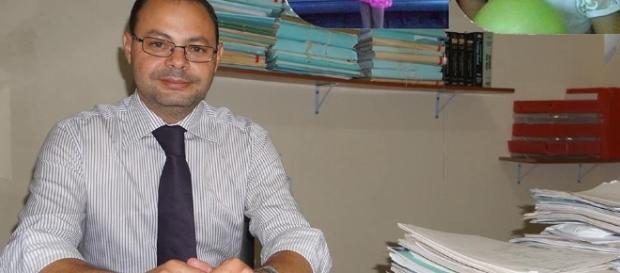 Delegado pede calma à população (Foto: Jornal A Notícia)