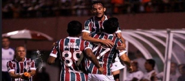 Fluminense pode ter novo material esportivo em 2017 (Foto: Arquivo)