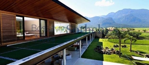 Mansão do jogador tem terreno com 10 mil m²