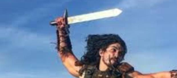 Rune salva a vida de Zaqueu, impedindo que ele seja morto por um cananeu