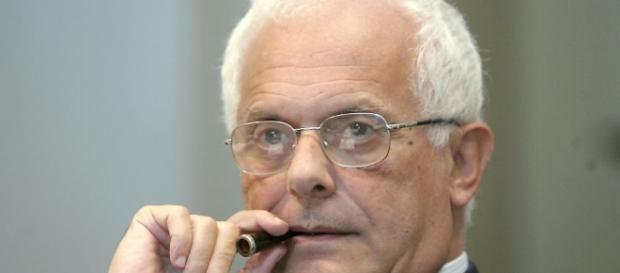 Vincenzo Visco critica il Governo Renzi sulla manovra di Bilancio e sulla riforma costituzionale (Foto: giornalettismo.com)
