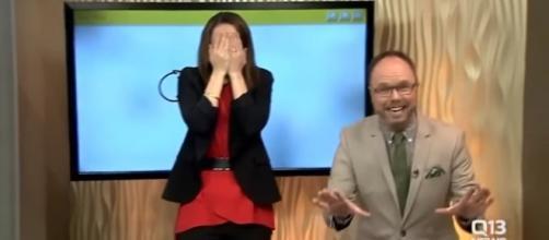 Apresentadora desenha pênis ao vivo em programa matutino nos EUA | Fonte: FOX/Reprodução