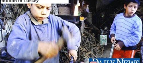 En Turquie, les mariages entre majeurs et mineurs sont fréquents, et encore davantage le travail des enfants est quasi-généralisé