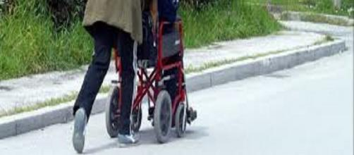 L'indennità di accompagnamento: non basta la sola invalidità al 100%