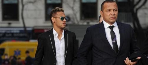 Neymar e seu pai têm sido alvo do fisco espanhol e brasileiro