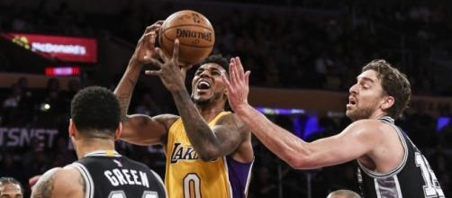 Spurs win, and Lakers gain their respect | Sports | Eugene, Oregon - registerguard.com