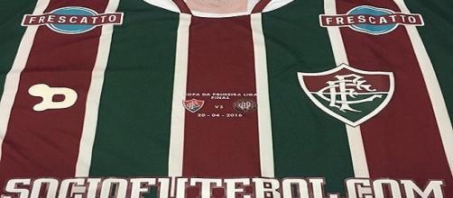 Uniforme do Fluminense pode vir com novidades em 2017 (Foto: BP. Blogspot)