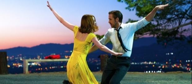 Emma Stone et Ryan Gosling, dansant dans La La Land