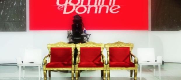 uomini e donne lunedi 21-11 quale trono in onda