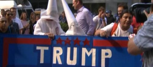 Donald Trump declines to condemn KKK leader David Duke - CBS News - cbsnews.com
