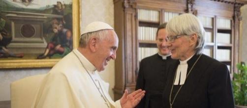 El Papa Francisco se reúne con Antje Jackelén, mujer arzobispo de la Iglesia Luterana en Suecia.