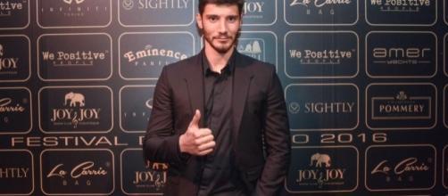 Gossip e tv: Stefano De Martino sostituisce Fabrizio Corona nel programma 'Selfie'.