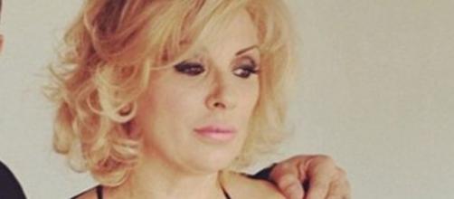 Tina Cipollari nel cast di Selfie - Tutto può cambiare.