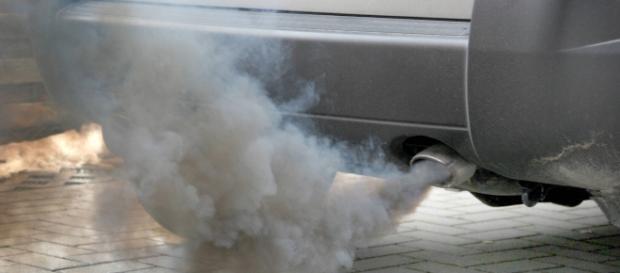 Divieto di accesso alla fascia verde per le auto più inquinanti Euro1 e 2 (Foto fonte web)