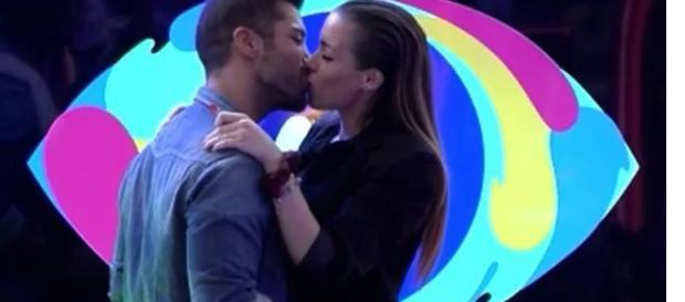 El esperado beso de Meri y Alain