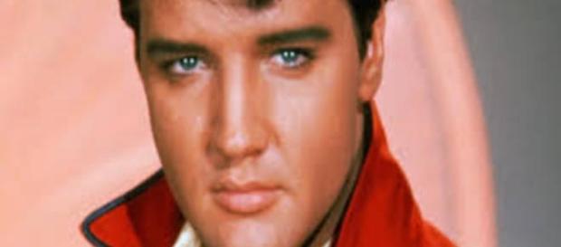 Elvis Presley sempre será o rei do rock