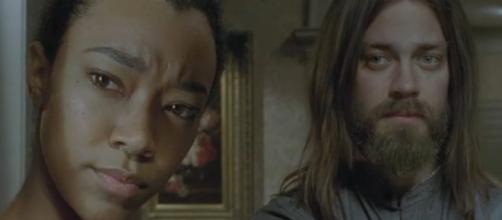 'The Walking Dead' spoilers season 7 episode 5 - Sasha and Jesus at Hilltop (via YouTube amc)