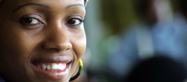 As mulheres negras recebem os menores salários, mesmo em cargos iguais e com igual formação