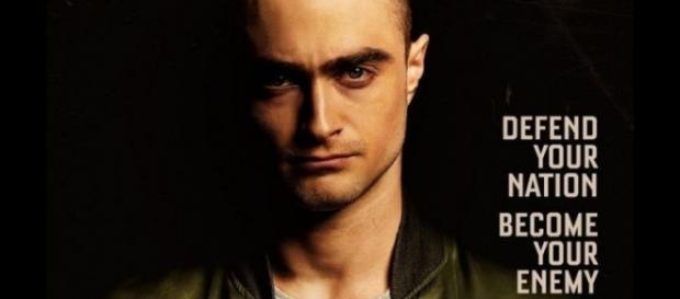 Daniel Radcliffe métamorphosé - Crâne rasé, il se mue en néo-nazi - star-mag.top