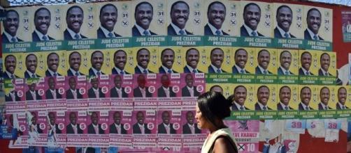 Affiches des candidats aux élections à la présidence d'Haïti en 2016