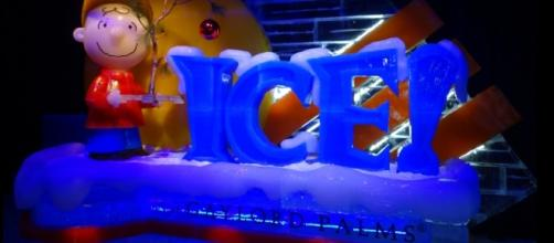 Charlie Brown welcomes visitors to the Ice! display. (Photo by Barb Nefer)