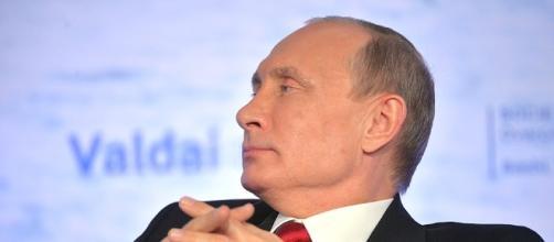 """Il presidente Vladimir Putin ha detto che Donald Trump è """"brillante"""""""