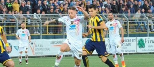 Juve Stabia - Lecce, Caturano in azione