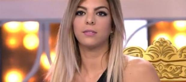 Ana Anginas en uno de sus programas