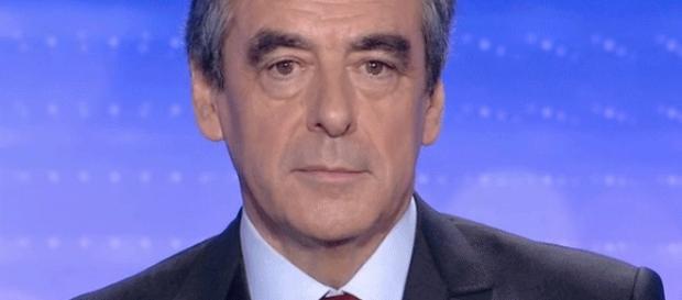 Après 10 h, lundi, F. Fillon conservait son pourcentage de la veille : 44,1% (tout comme A. Juppé, à 28,6)