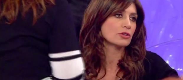Barbara De Santi torna single, lo conferma su facebook