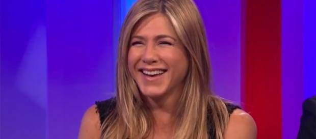 Jennifer Aniston Reveals a Friends Secret on The One Show | E! News - eonline.com