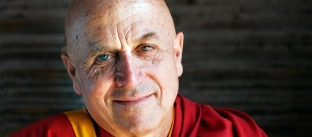 Monge budista tem 70 anos e vive no Nepal