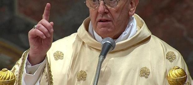 Papa Francesco: 'guerra mondiale' contro il matrimonio. Il nemico ... - la7.it