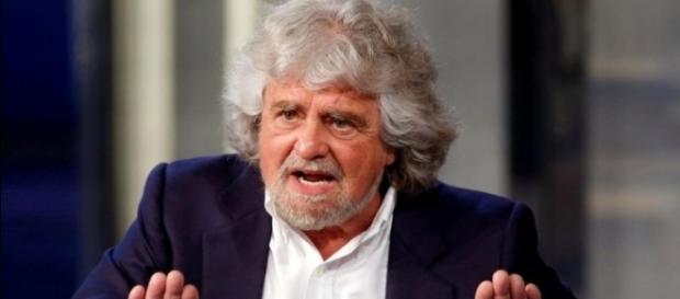 Referendum, Grillo contro i 'serial killer' che hanno promosso le riforme | yahoo.it